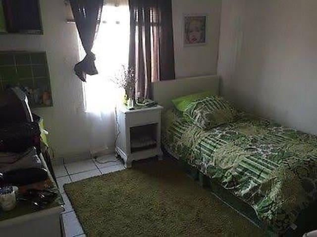 Cuarto cómodo / ambiente familiar - Mexicali - Casa
