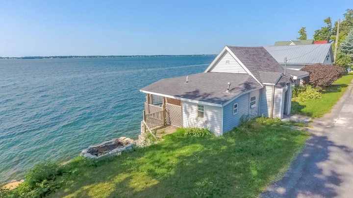 Fully Renovated Pillar Point Cottage