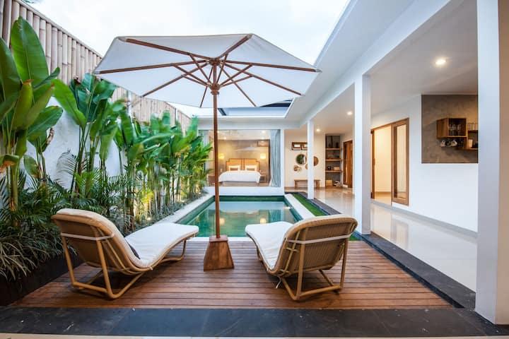 Stylish 3 bedroom villa in the heart of Seminyak