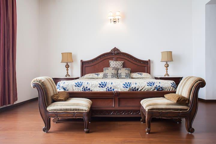 Super luxury 3 bedroom apartment