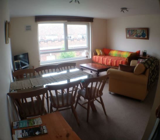 Spacious two bed flat,  Norwich Lanes with parking