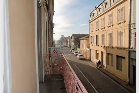 T3 spacieux avec balcon - Beaurepaire - Leilighet