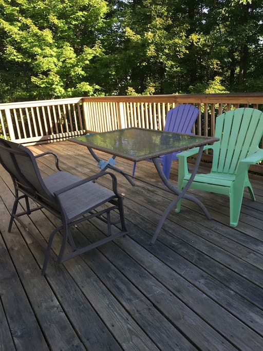 Awesome deck to enjoy breakfast!