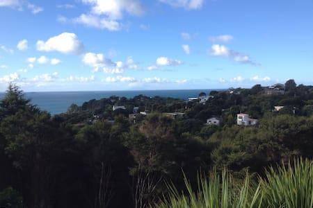 Beautiful Waiheke island, Oneroa - Auckland