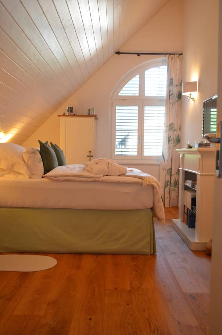 Exklusives & neues Gästezimmer mit separatem Bad