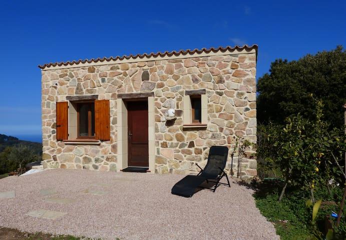 Elégante dépendance à Piana, Corse du Sud