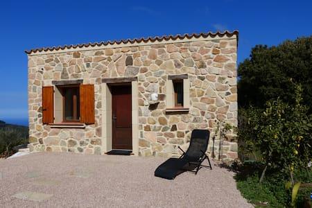Elégante dépendance à Piana, Corse du Sud - Piana - Byhus