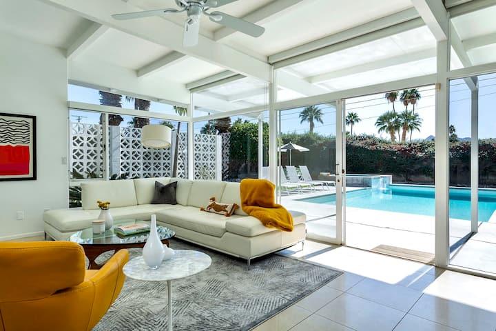Stunning Mid-Century Palm Springs Oasis