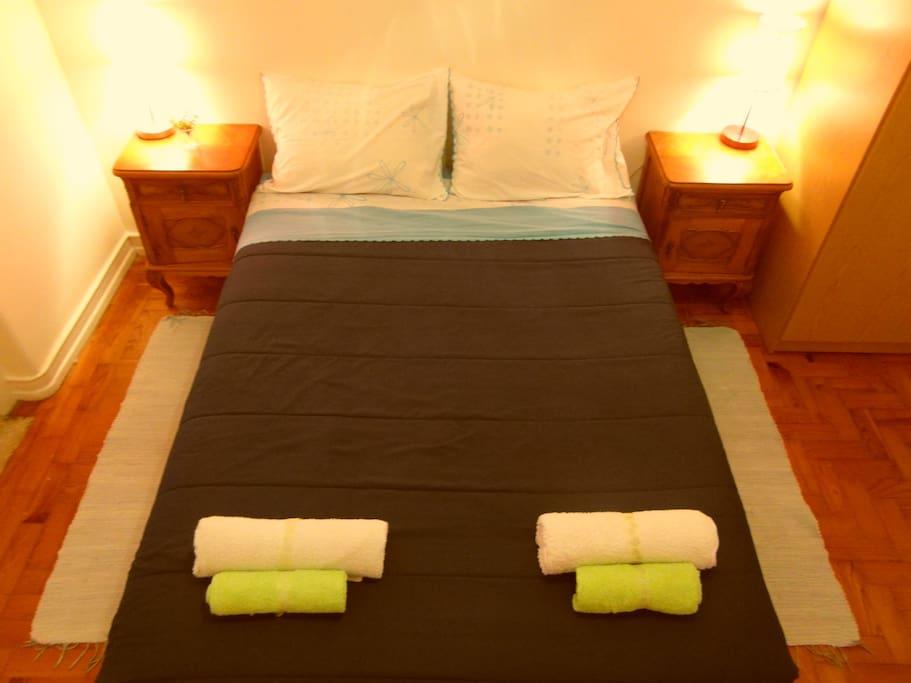 Double Size Bed- Cama Doble - Cama Casal