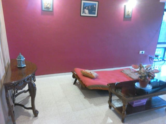 Futon In The Drawing And Dining :-) - Caranzalem - Apartament