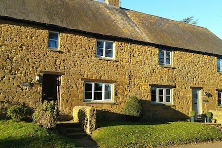 Cosy Period Cottage - Milton - Kabin