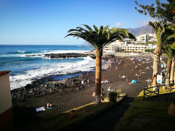 Acogedor estudio en playa Santiago con vistas