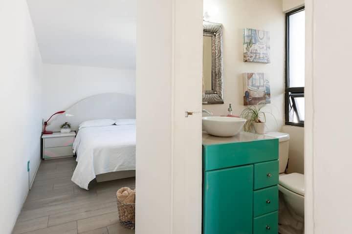 Habitación con baño privado (E)