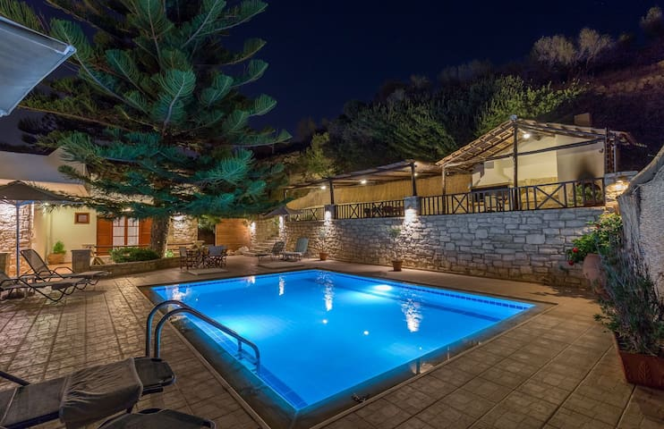 Villa Argiris - Rustic design with captivating sea views Villa