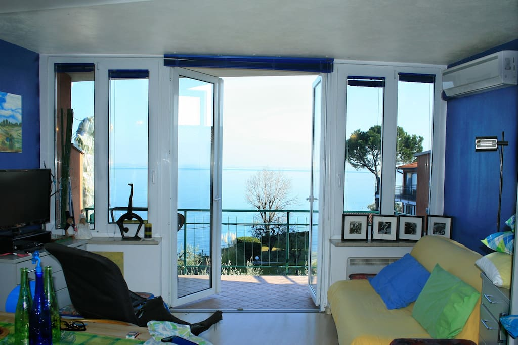 Appartamento sul lago di garda appartamenti in affitto a for Appartamento lago milano