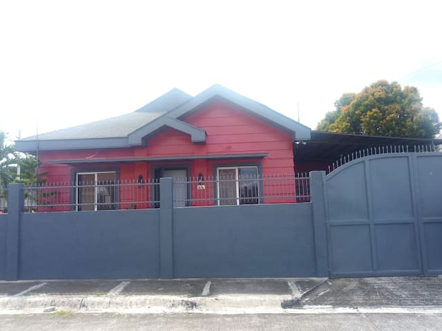 Metrogate Silang Estate House & Lot for Rent