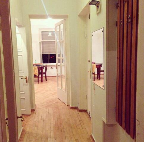 Newly renovated  Apartment at the best place - Tbilisi - Apartment