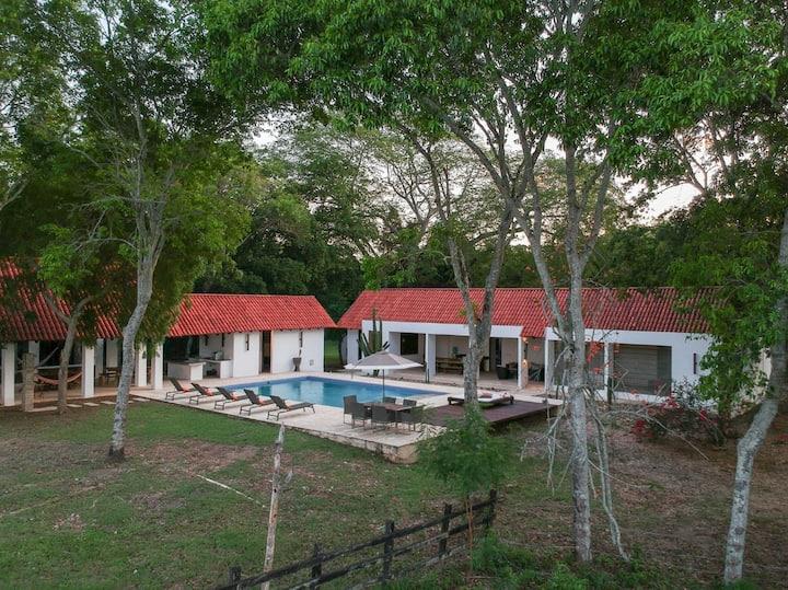 Espectacular Villa en Tocaima Cundinamarca