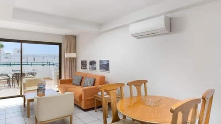 500m from the Beach! Spacious Apartment with AC | Access to 2 Outdoor Pools + Fitness Centre