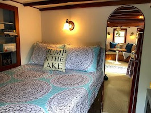 Double Bed with Lake Views