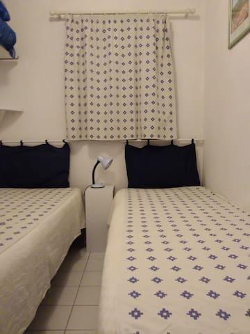 petite chambre 2 lits gigognes