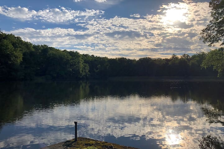 Private Lakefront Retreat in Stokes State Forest