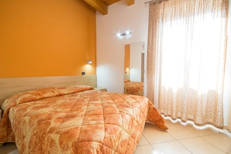 argene 23 - Barcellona Pozzo di Gotto - Bed & Breakfast