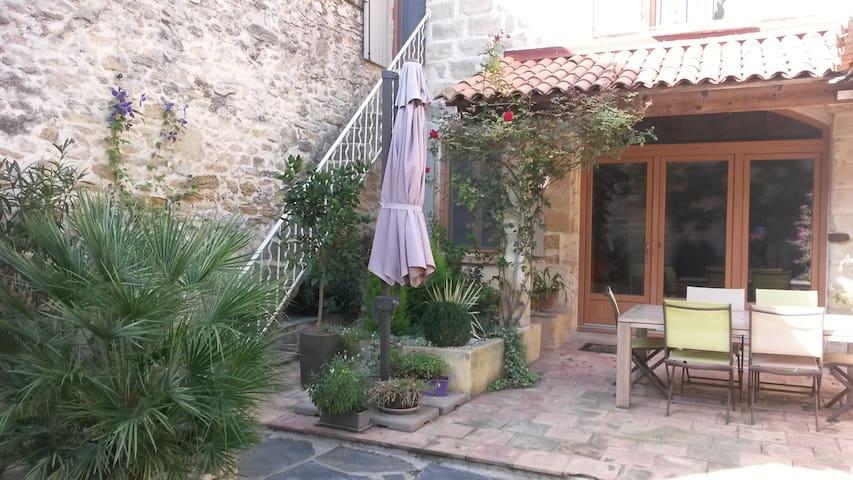 Maison pierre et bois - Gallargues-le-Montueux - Rumah