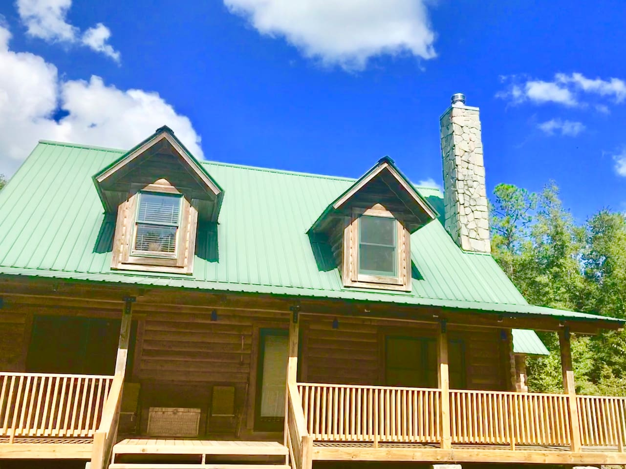 The ENTIRE place is Yours!  TOTALY PRIVATE  Log Cabin Getaway. When you rent - you rent the entire 2500aq ft cabin!  Indoor pool -your only! Outdoor pool - YOURS ONLY! Sauna- YOUS ONLY!  5 Acres of fenced PRIVATE yard -Pets welcome!