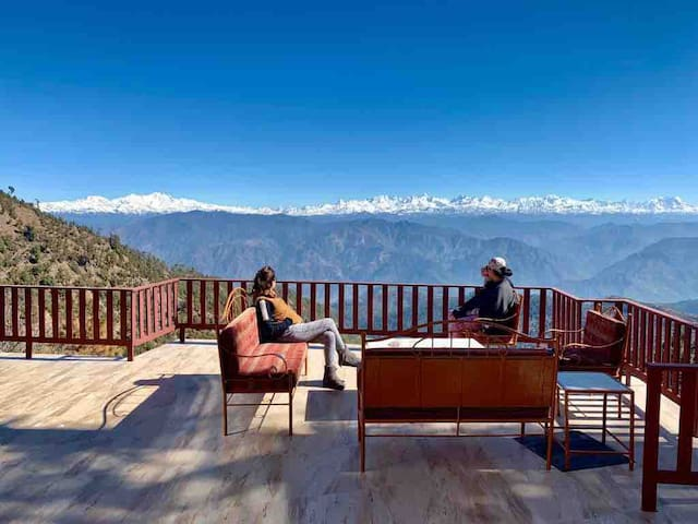 5 Bedroom Cottage overlooking himalayas