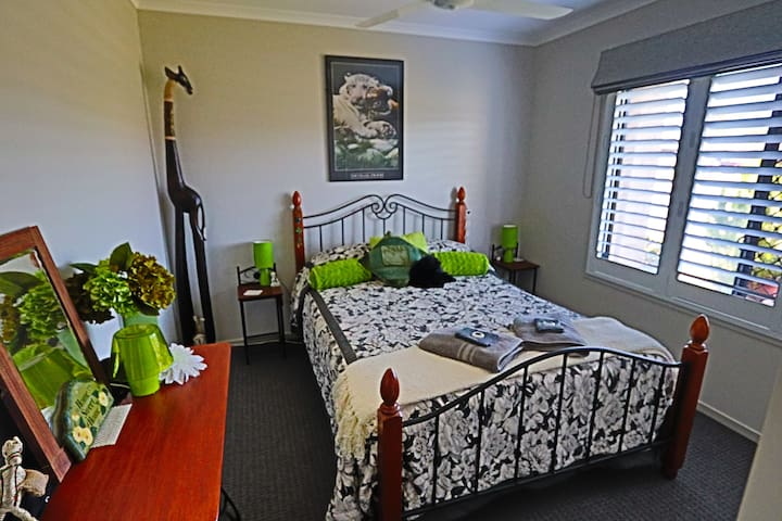 Seaside Haven Double  Room Toogoom/Hervey Bay
