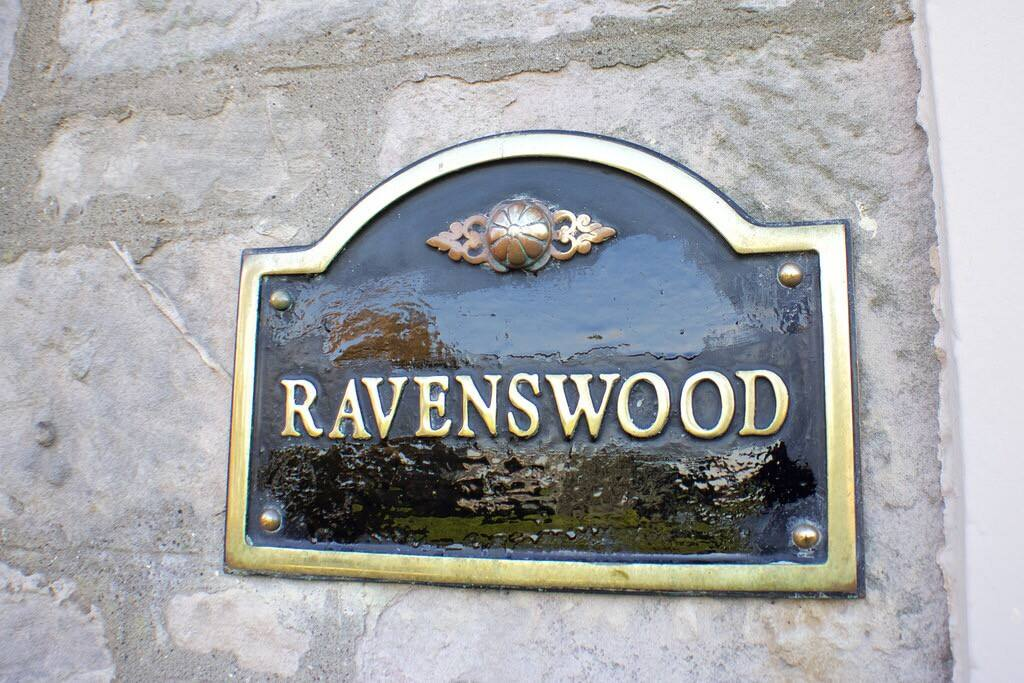 Welcome to Ravenswood