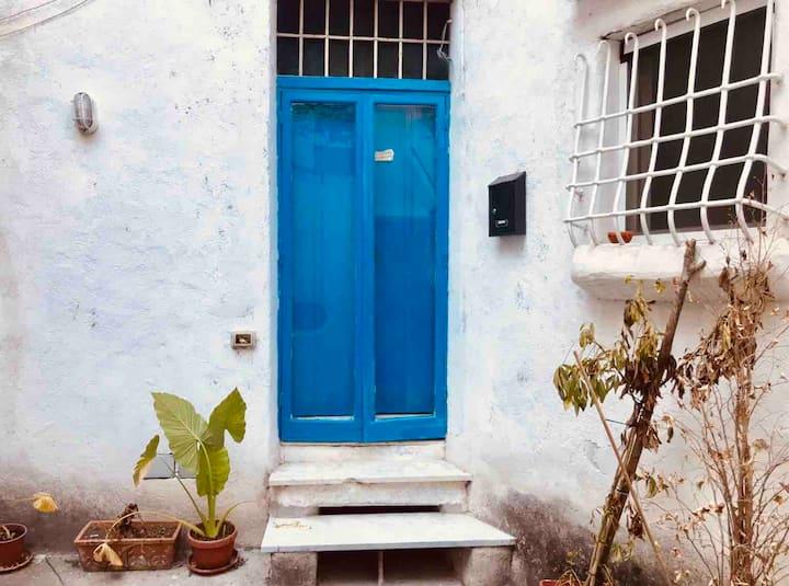 La Casa AZZURRA, Nel centro di Amalfi
