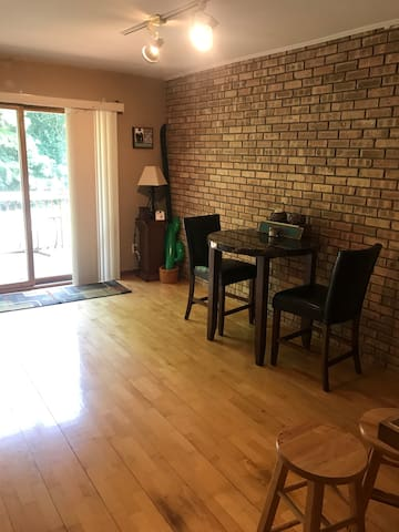 Cozy 3 BR, next to Lake Michigan