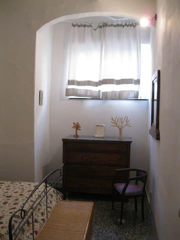 Nicchia in camera matrimoniale (double room)