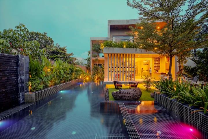 Superior Room @ Theary's Luxury Villa 2