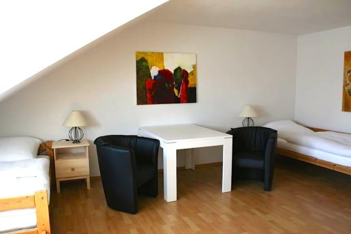 Gemütliche Wohnung nahe Erlangen - Neunkirchen am Brand - Appartement