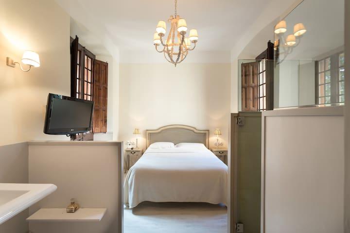 MASTER ROOM /  Habitación de matrimonio
