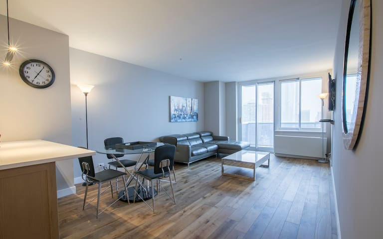 1 Bed 1 Bath close to Hudson Yard and Time Square