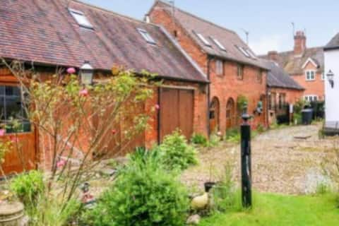 Characterful 2-bed cottage in rural Warwickshire
