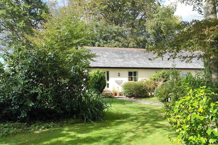 Penhale; stunning boutique cottage - North Tamerton - Casa