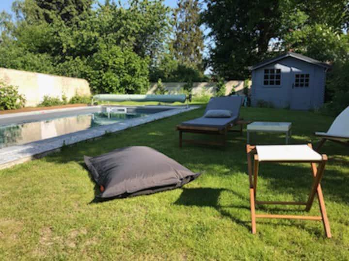 Belle maison meulière avec piscine