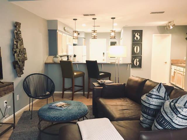 Destination 806 - Quiet Comfort - Great location