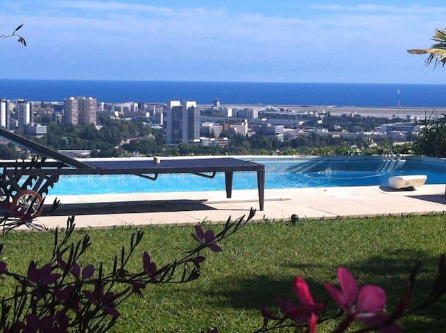 Villa avec piscine priv. -vue mer panor. (4 pers.)