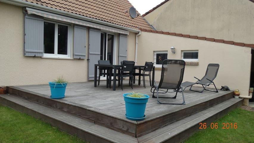 Agréable Chambres 10min Le Mans - Spay - บ้าน