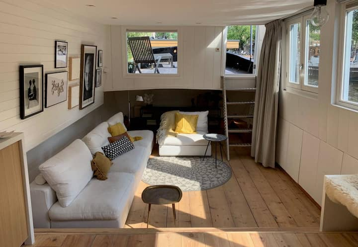 Great houseboat in beautiful Amsterdam city centre