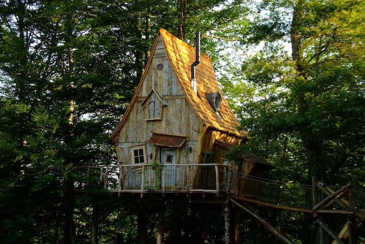 au milieu de nulle part... la cabane du Soleil ! - Sexcles - Casa na árvore
