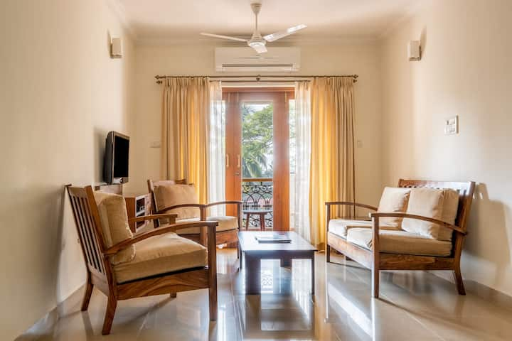2BHK Sea-Facing Luxury Apartment in Miramar