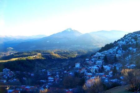 Φανταστικο ορεινο χωριο - Μαγούλιανα