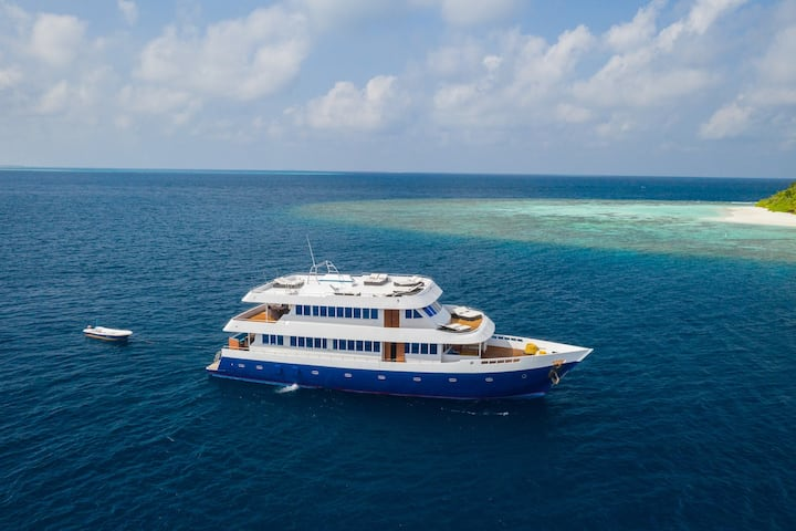 Maldives Explorer - Surf & Snorkel All Inclusive